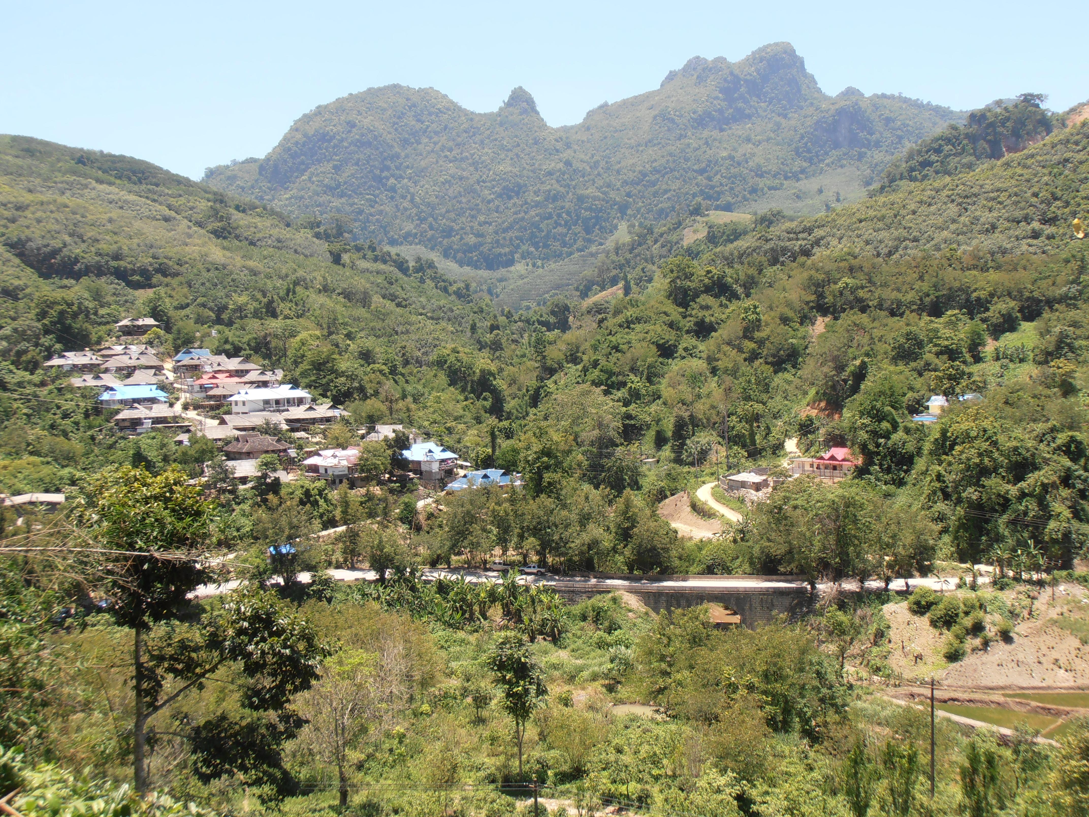 マンハイ村