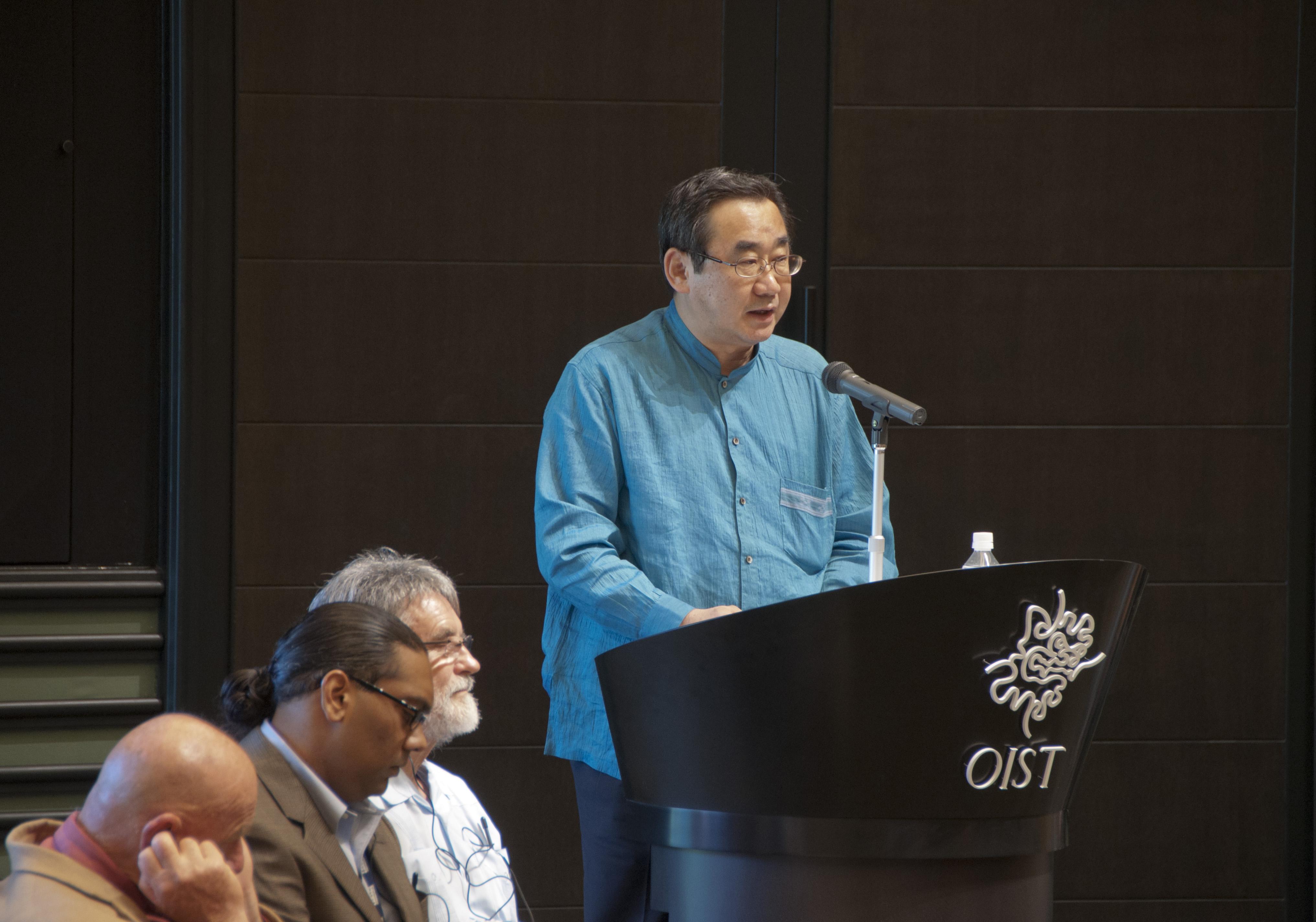 石田勝之内閣府副大臣 (沖縄及び北方対策等担当)、OIST博士課程開設式典にて。2012年9月6日