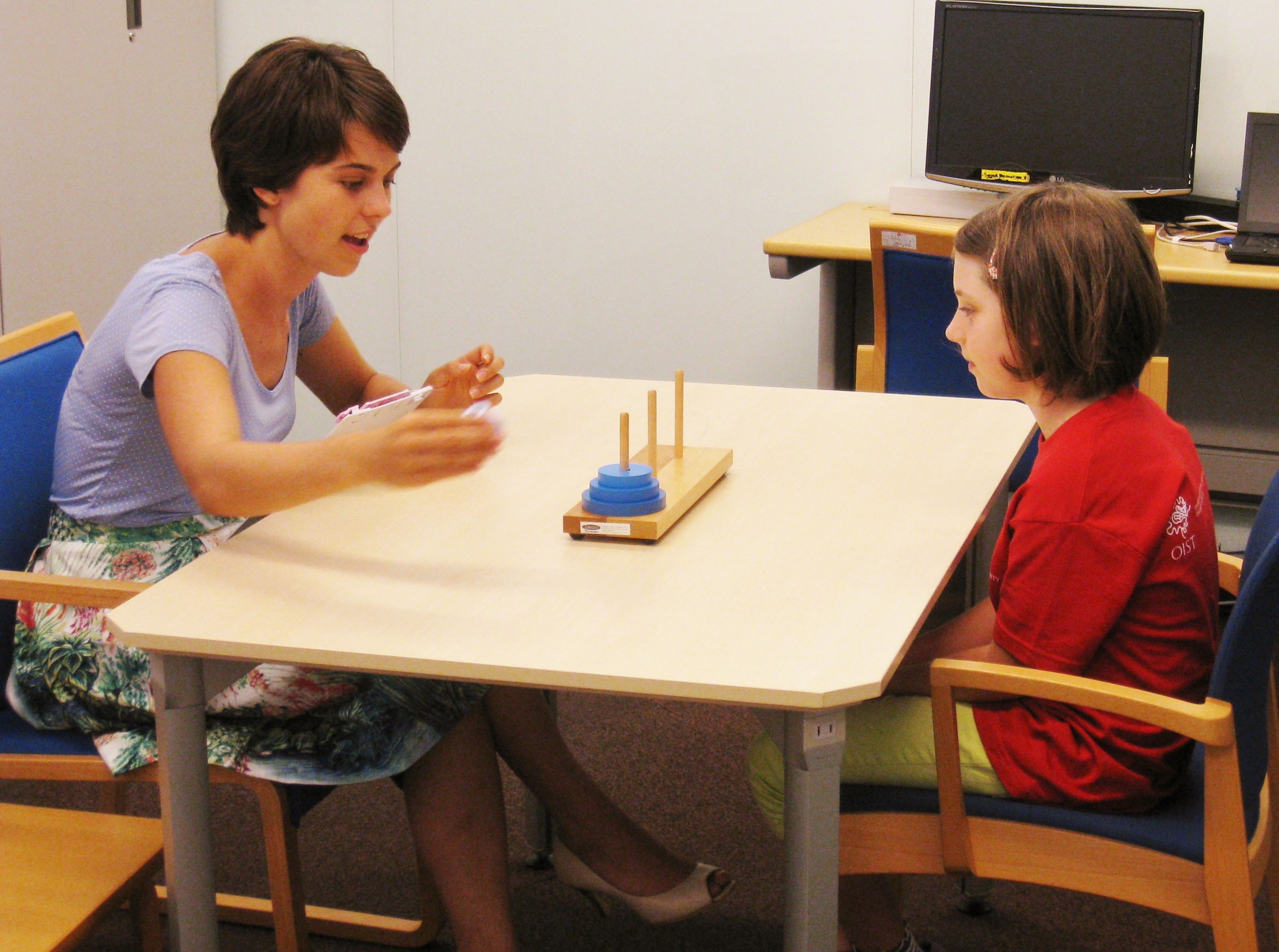 Researcher and study participant in the Children's Research Centre
