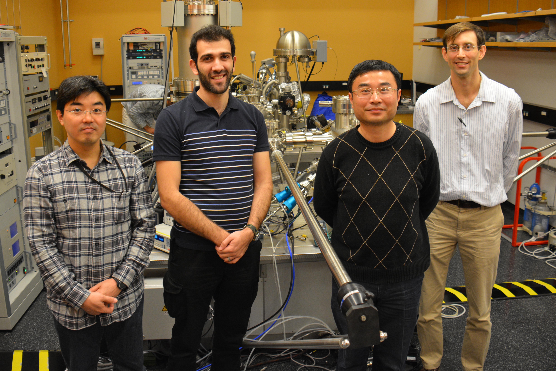 OISTエネルギー材料と表面科学ユニットのメンバー