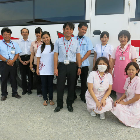 Staff from the Red Cross and the OIST Health Center (June 19, 2013)