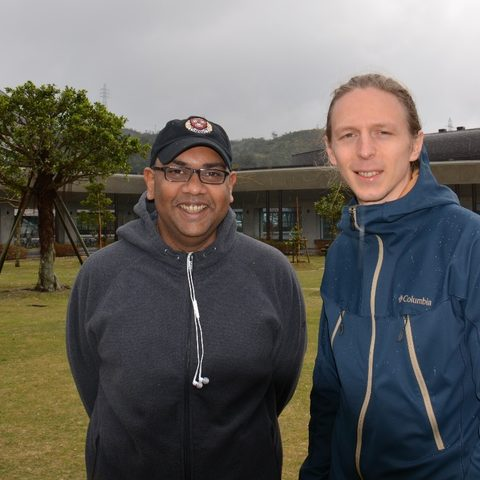 Prof. Mahesh Bandi and graduate student, Märt Toots on the OIST campus