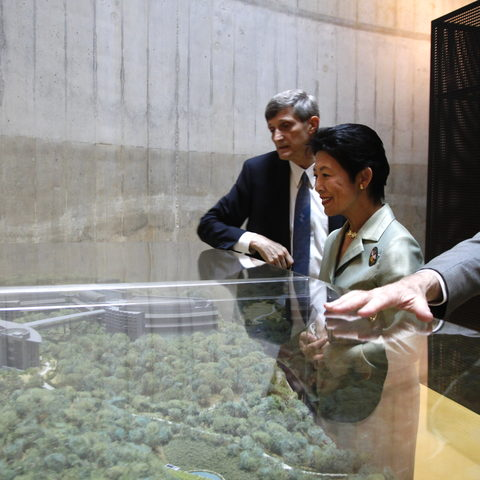 President Dorfan and Provost Baughman tell Princess Takamado about OIST's future plans