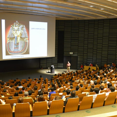Sir Michael Berry speaking to an audience of over 350 in the OIST Auditorium on 25 May 2013