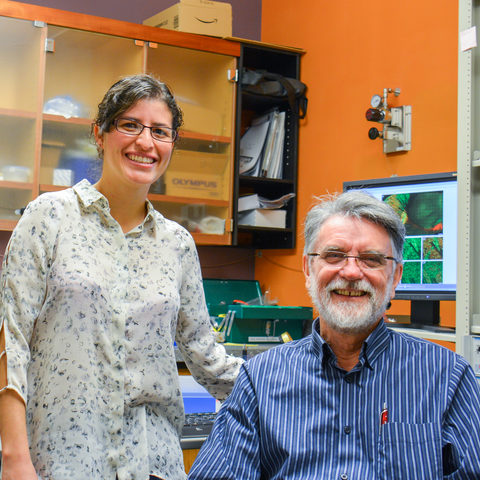 Dr. Violeta Lopez-Huerta and Professor Gordon Arbuthnott of the OIST Brain Mechanism for Behaviour Unit