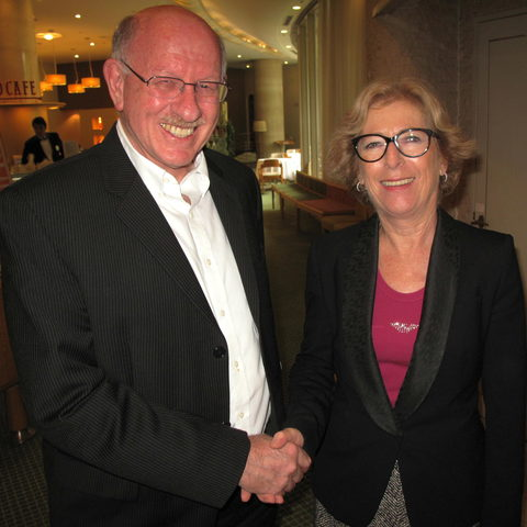 Jonathan Dorfan meets with French Minister of High Education and Research, Geneviève Fioraso (6 Oct 2013)
