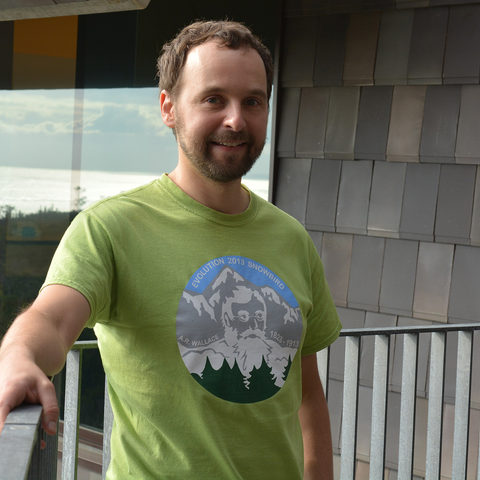 Prof. Alexander Mikheyev, head of OIST's Ecology and Evolution Unit