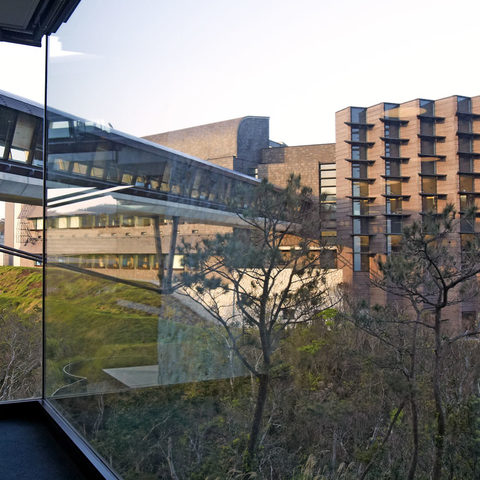 OIST's Skywalk leading to Laboratory 2