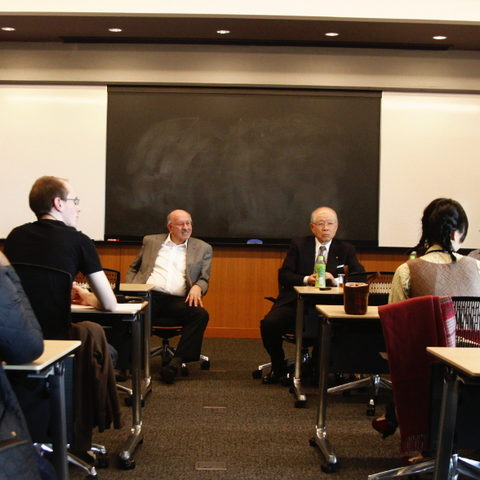 Ryōji Noyori, Nobel Laureate and President of RIKEN, speaks with OIST graduate students after his lecture